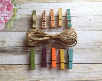 10 mini pegs with jute twine, pegs, wooden pegs, patterned wooden pegs, coloured pegs,clothespins, craft pegs