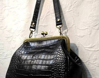 Sale 20.5 cm frame leather purse / evening bag / kiss lock bag / cross body clutch