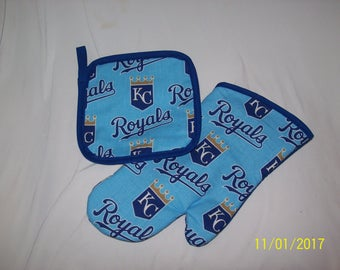 Royals Kansas City KC Oven MItt and Hot Pad Pot Holder Set Great Gift!