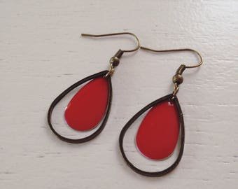 Red sequins and bronze earrings