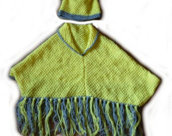 All poncho and hat yellow and grey 4 years