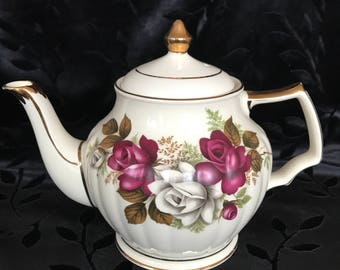 Vintage Rose Sadler Teapot
