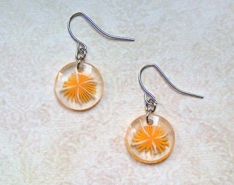 Earrings flower orange/white resin