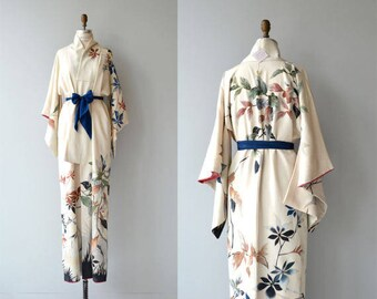 SOLD SOLD SOLD - Geisha in blue - 1950s vintage kimono