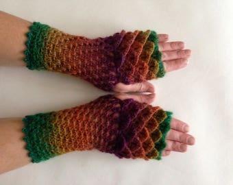 Dragon scale gloves, fingerless gloves, dragon gloves, wristwarmers, armwarmers, purple stripe gloves, dragon wrist warmers, arm warmers