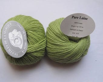 3 skeins of Pure wool Textiles De La Marque green 615