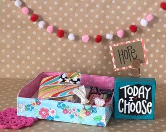 Small Organization Caddy. Portable Storage Tote. Fabric Organizer. Planner Sticker Storage. Planner Supply Organizer. Floral Office Decor.