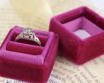 Velvet Ring Box in Tulip Color