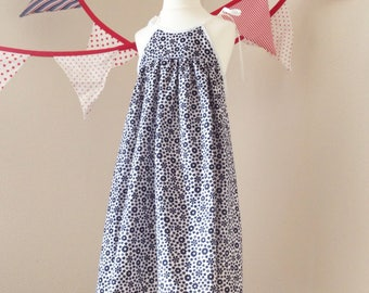 Floral summer dress // Age 4 years  // strappy floaty black 1960s cotton white UK seller
