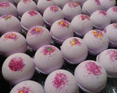 25 Wholesale bath bombs, choose any fragrance or color