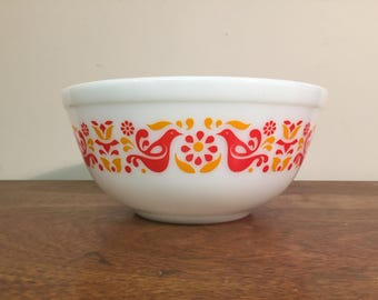Pyrex Friendship Mixing Bowl #403, 2.5 qt. Red & Orange Birds and Flowers