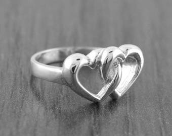 June SALE 925 Sterling Silver Interlocking Hearts Ring