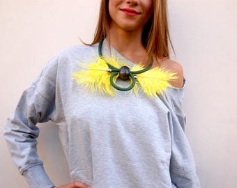 Yellow and green ostrich maxipiuma necklace