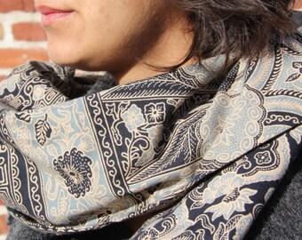 Batik scarf wit Bali WULUMUQI