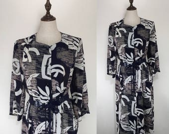 30% Off Summer Sale / Vintage Japanese Abstract Print Dress / Summer Dress / Day Dress / Loose Cut Dress / Made in Japan / Size Large / XL