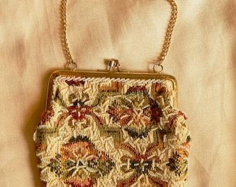ON SALE: Sweet Vintage Beaded Tapestry Frame Purse - Mister Ernest, 1950s