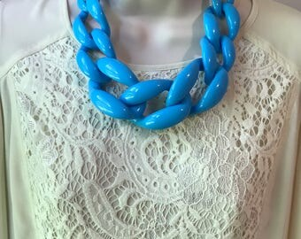 Turquoise Blue Chunky Chain Lucite Link Housewife Statement Necklace