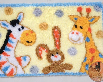 FURRY FRIENDS Latch Hook Rug Making Kit, Brand New, Vervaco
