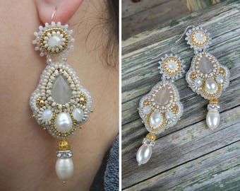 Beaded earrings Bead embroidered earrings Bridal earrings ivory Embroidery white gold earrings Wedding jewelry Dangle earrings pearl