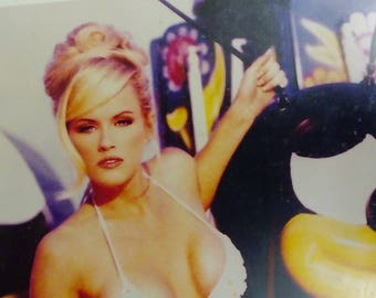 Jenny McCarthy -- 1997 Signed 8 x 10 Photo with Certificate