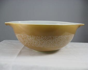 Pyrex WOODLAND BROWN Cinderella 443 Mixing Bowl 2.5  Quart Nesting