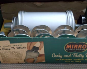 Vintage Mirro Pastry Press, 13 Fancy Shapes, Finest Aluminum. Made in USA