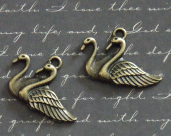 2 charms 20x30mm bronze Swan couple