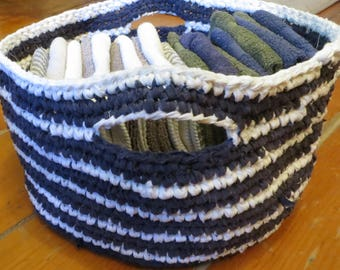 Basket hand with recycled cotton knit