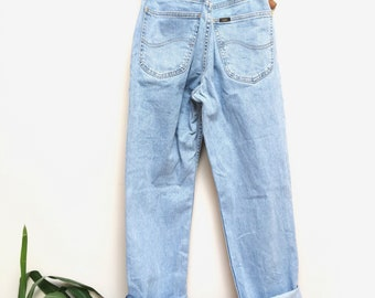 "Lee Highwaisted Denim Jeans Size 32"" x 32"""