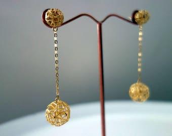 LARGE 9K GOLD BALL Earrings 375