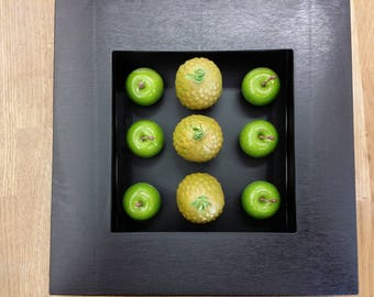 "frame 3D ""pineapple and little Apple"" minimalist or modern deco design"