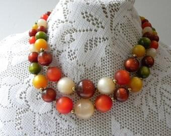 Lucite beaded Coro necklace, 40s Coro necklace, 50s Coro necklace, earthy lucite necklace, beaded Coro necklace, vintage beaded necklace