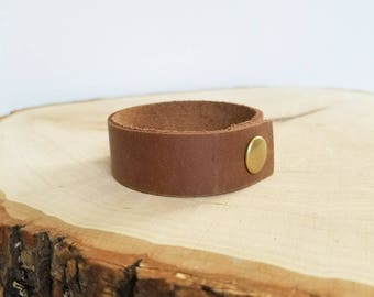 Leather cuff bracelet, simple cuff, snap leather bracelet, medium brown