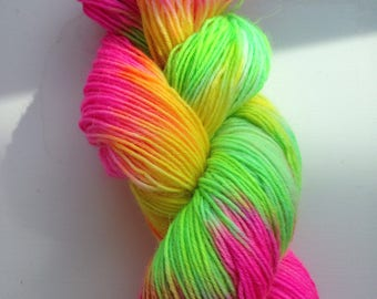 Can you say carnival, on Avon sock yarn. Kid mohair/Merino/Nylon (20/55/25%). 100g. 400m.