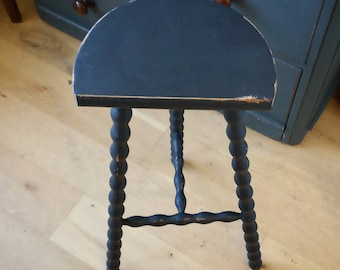 Vintage French stool. Rustic stool. Three leg stool. (1254)