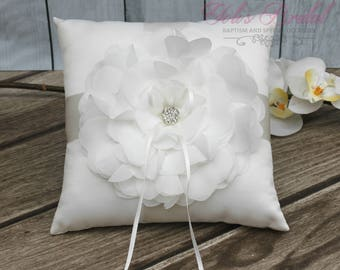 FAST SHIPPING!! Ring Pillow, Ivory Ring Pillow, Off White Ring Pillow, Vintage Ring Pillow, Wedding Ring Pillow, Shabby Chic Ring Pillow