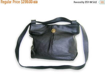 SUMMER SALE Leather tote and messenger bag ,Medium size leather messenger bag, black messenger bag, handmade leather bag, messenger bag, mod
