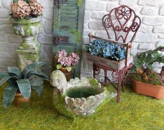 Miniature water basin, Swan resin mossy miniature 1:12 scale Dolls House Garden decor accessory