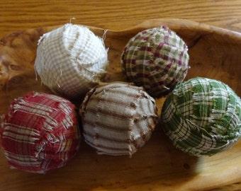 Rag Balls, Primitive Decor, Primitive Rag Balls, Homespun Rag Balls, Easter Basket Filler, Spring Rag Balls, Country Decor, Set Of Rag Balls