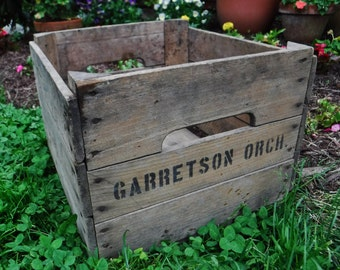 Aged Wood Crate/Wooden Crate/Rustic Farmhouse Storage Crate-Box/Rustic Decor/Apple Orchard/Fruit/Vintage