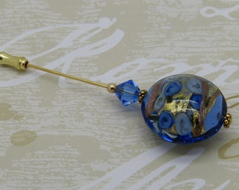 Brooch pin leaves blue flowers with gold