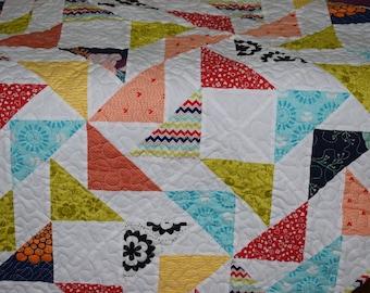 Handmade Quilt / Kid Quilt / Flying Geese Quilt / Throw Quilt / Modern Quilt / Lap Quilt / Patchwork Quilt / Quilt for Sale