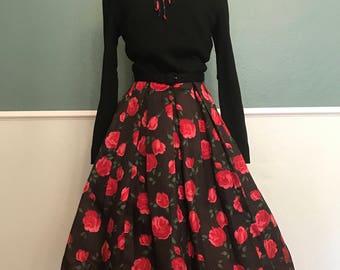 1950's 1960's Edith Flagg Long Sleeve Rose Print Dress XS-S 25 Waist