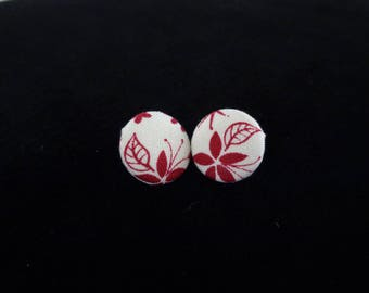 Floral Button Earrings / Button Earrings / Floral Earrings / Red and White Flower Earrings / Flower Button Earrings / Earrings / Button