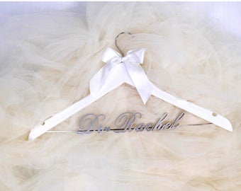 Bridal Hanger, Wedding Hanger, Personalized Wedding Dress hanger, Bridesmaid Hanger, Custom Hanger Bachelorette, Bridal Shower gift vet0002