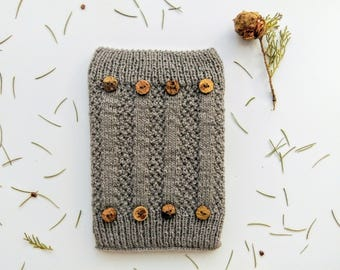 Hand Knitted Amazon Kindle Book Cover Decorated With Up-cycled Buttons, Woollen, Case, Pouch, E-Reader Case, Electronic Case, eBook Cosy
