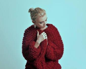 Chunky knit sweater. Knit oversized cardigan. Woolen bulky yarn knitwear. Giant knitting. Original knit coat. Chunky knitting. Huge sweater.