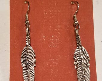 single feather earrimgs