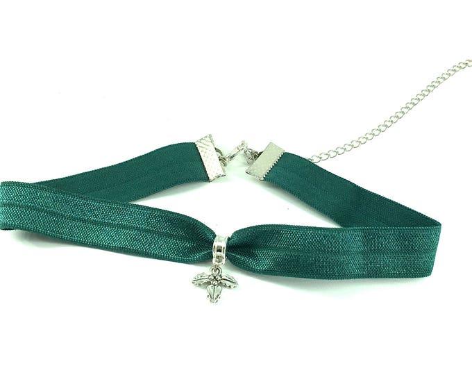 MISTLETOE: green elastic mistletoe choker
