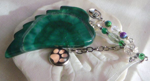 Pet loss gift - green angel wing - agate pendant - Cat Sympathy gift - memento - ornament Pet memorial - rainbow bridge charm - gift box set